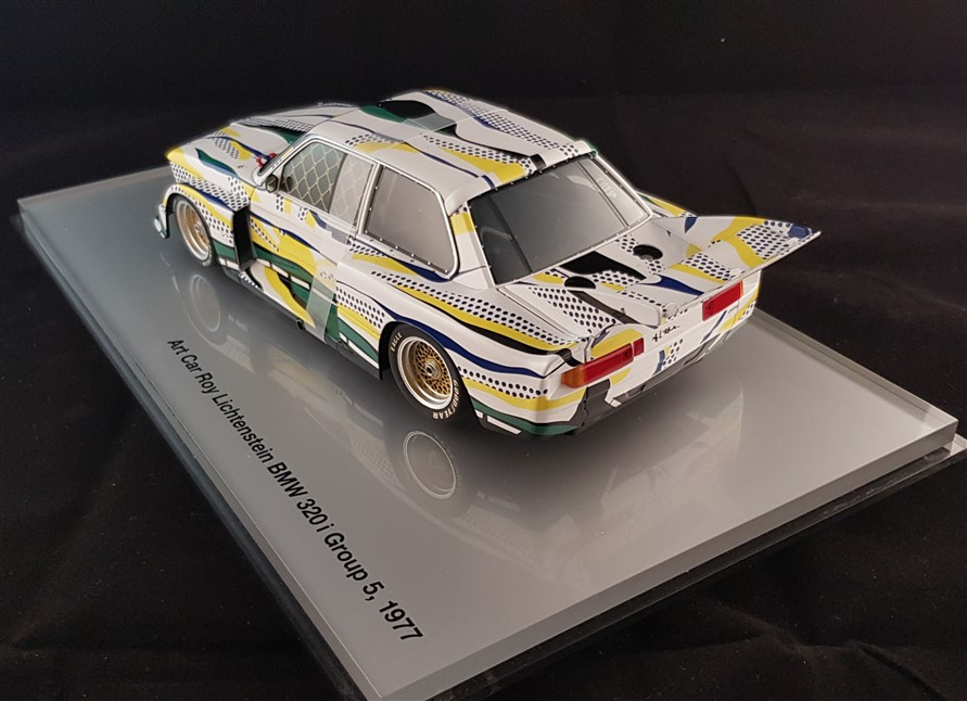 Pop art replica Bmw Lichtenstein scale 1:18