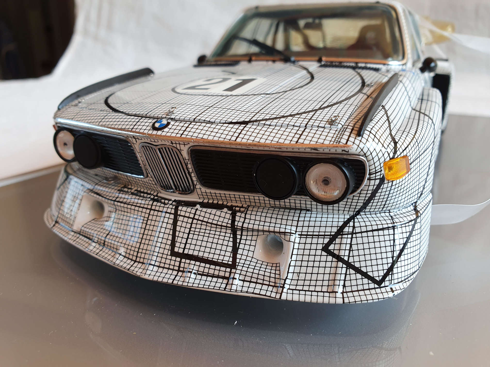 bmw sharknose details in 1:18