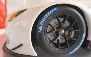Michelin tyre on 1;18 scale : Ap racing caliper in 1:18
